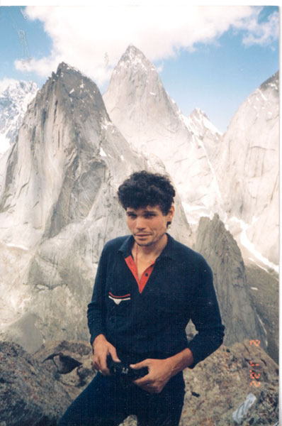Сергей Ковалёв в Каравшине, 1993 год