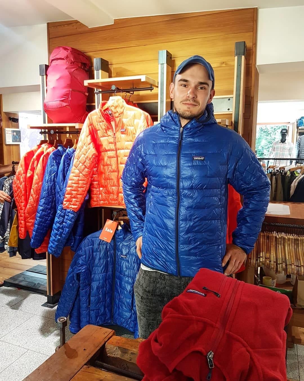 Примерка куртки Patagonia Micro Puff Hoody