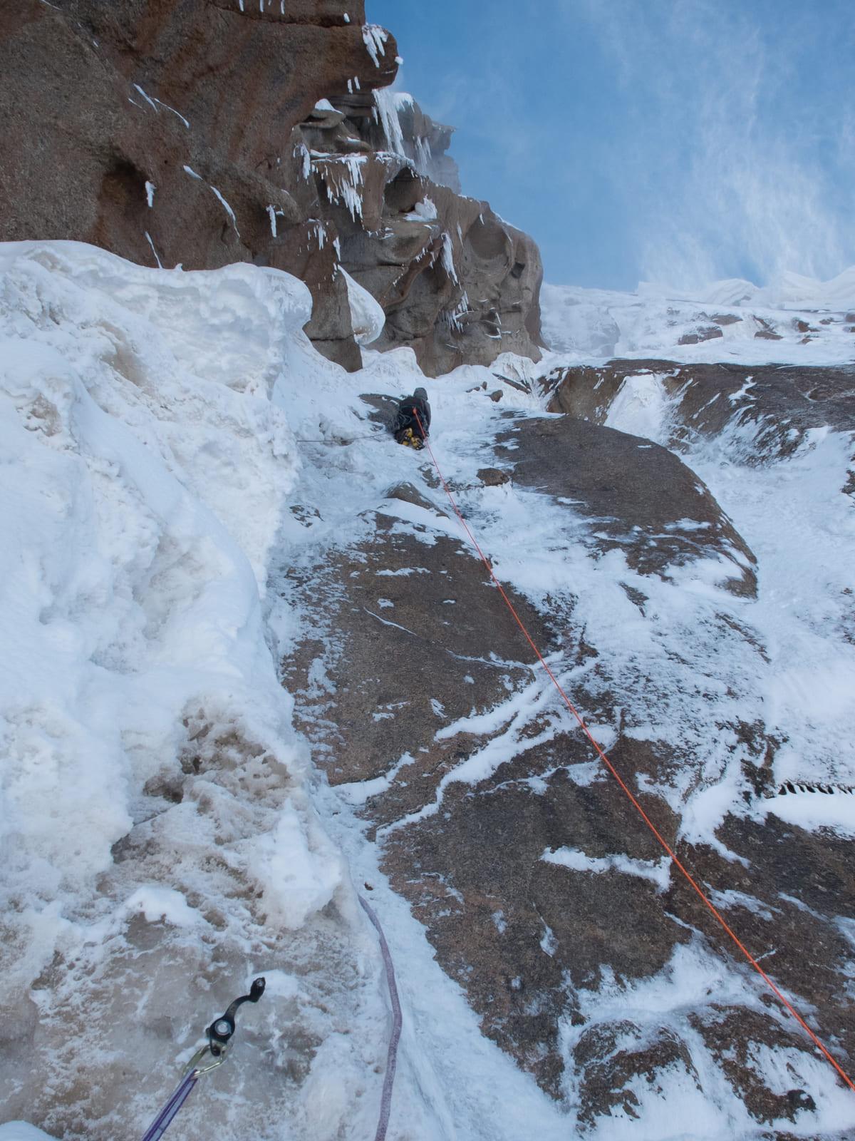 Вершинная башня пика Кызыл-Аскер, первопрохождение, 6Б