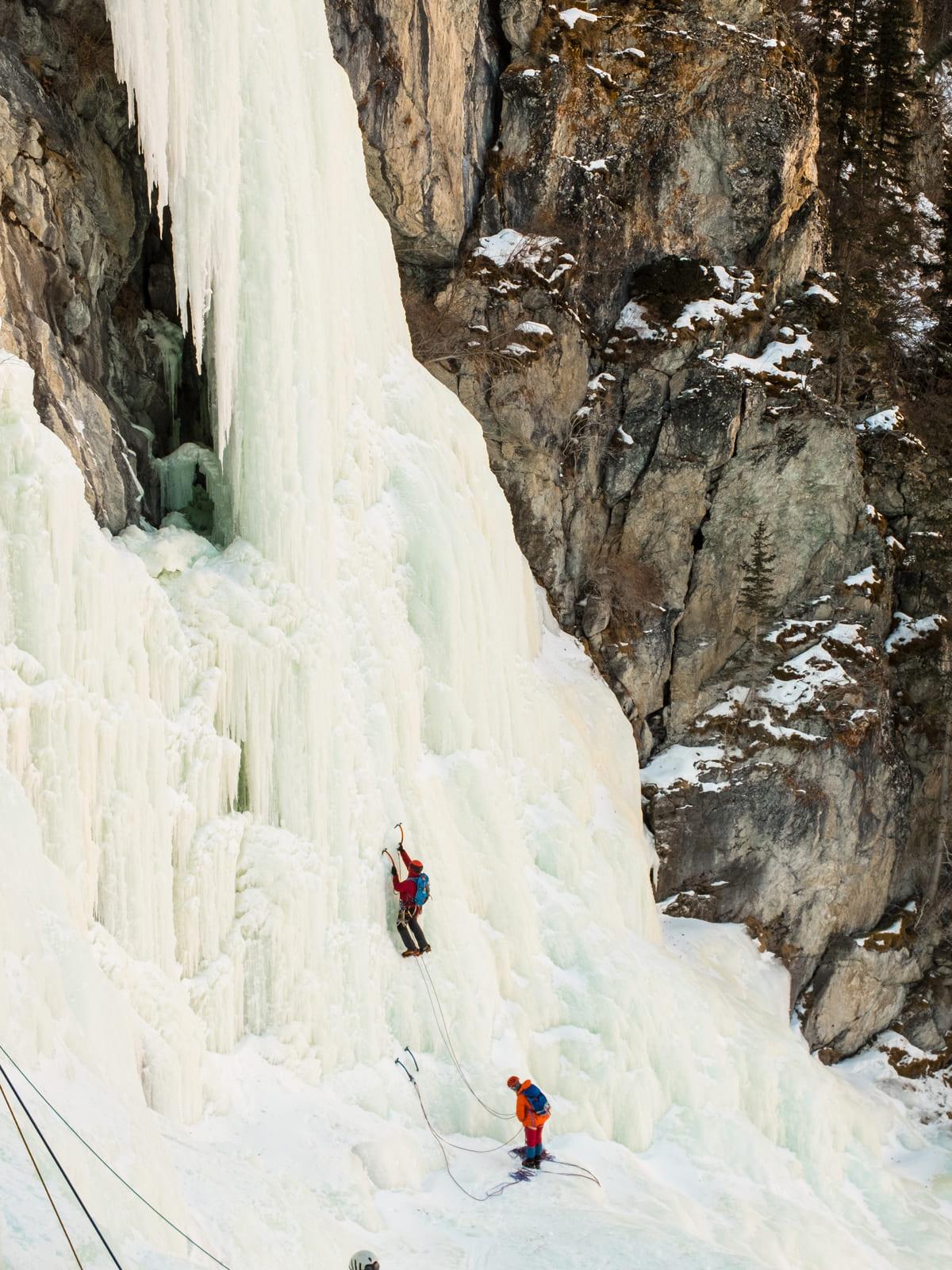 Первая лазательная веревка водопада Кая-Бажи, Горный Алтай, долина реки Чулышман