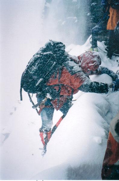 Сергей Ковалёв во время попытки восхождения на Лхоцзе по Южной стене (8516 м)