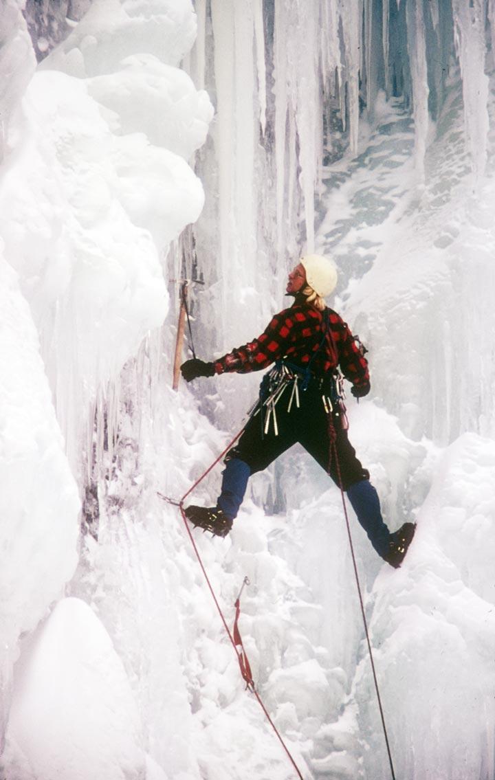 1974 — Bridelvail Falls  Джефф Лоу проходит сложнейший ледовый маршрут своего времени