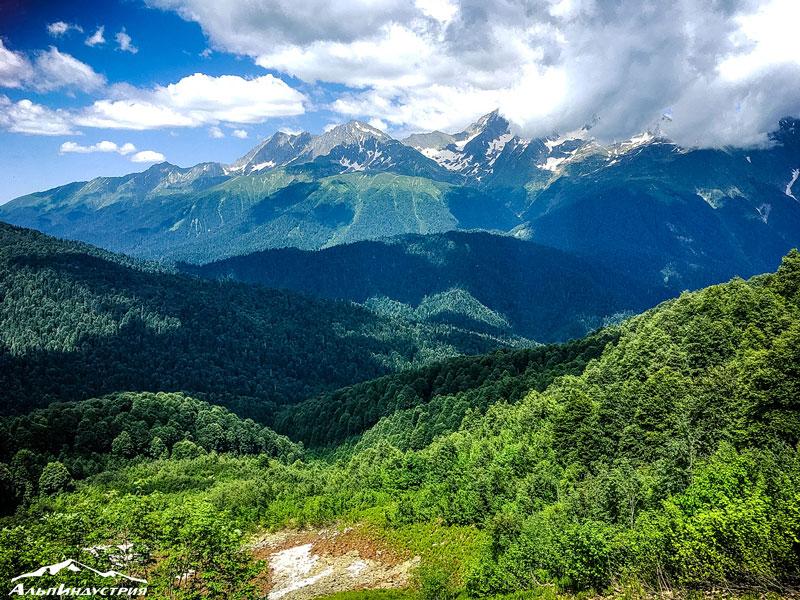 С 8 по 15 сентября в Красной Поляне пройдёт Trailrunning Camp с Ирой Сафроновой и Кириллом Русиным