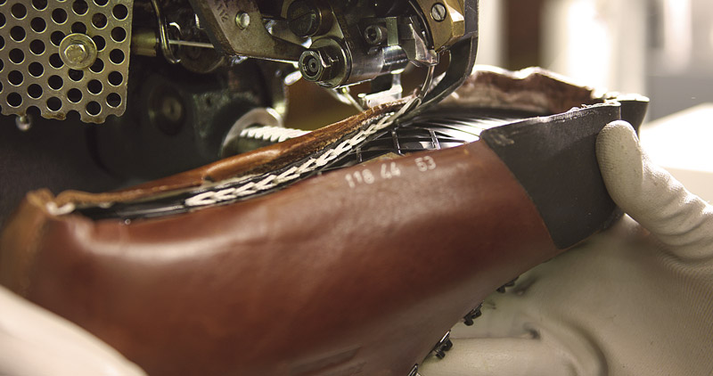 Прошивка обуви на заводе Zamberlan