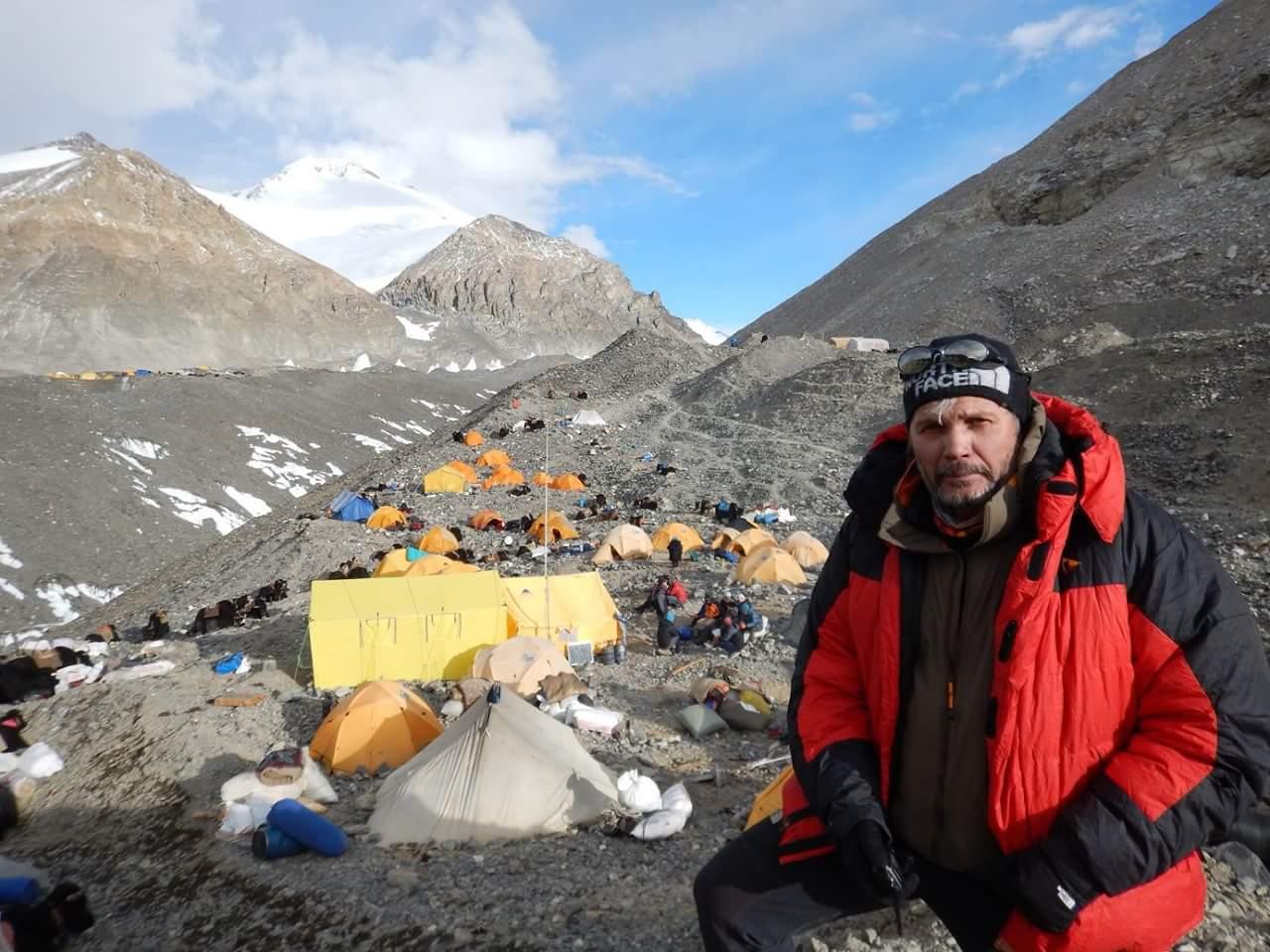Сергей Ковалёв в Базовом лагере Эвереста