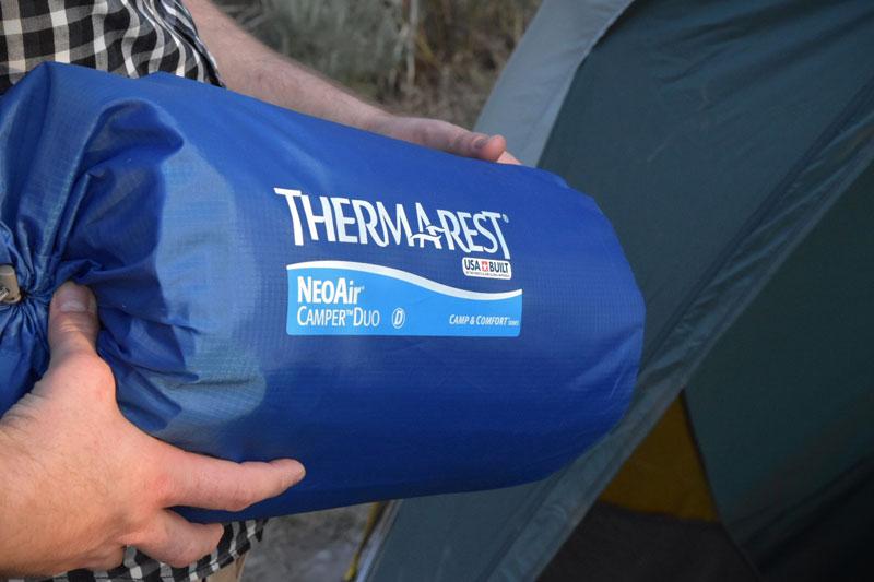 Для тех, кто предпочитает ходить в походы парой, у Therm-a-Rest есть два классных решения для комфортного сна на природе.