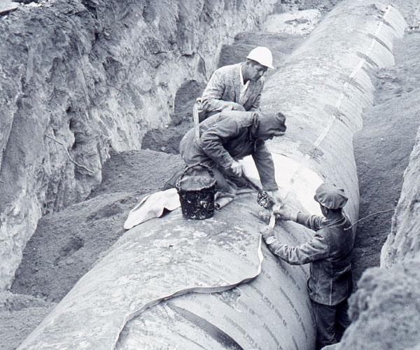 Alpindustria.ru: История изобретения мембраны Gore-Tex. Прокладка ленточного кабеля Gore Multi-Tet для компании Denver Water Company.