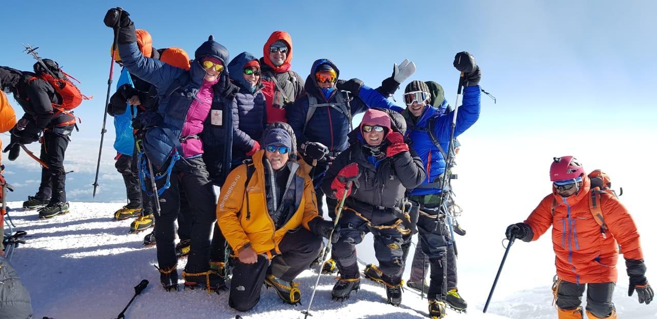 Elbrus climb AlpIndustria