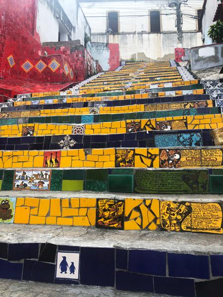 В Рио меня дико впечатлила лестница из плиток, собранных со всего мира.