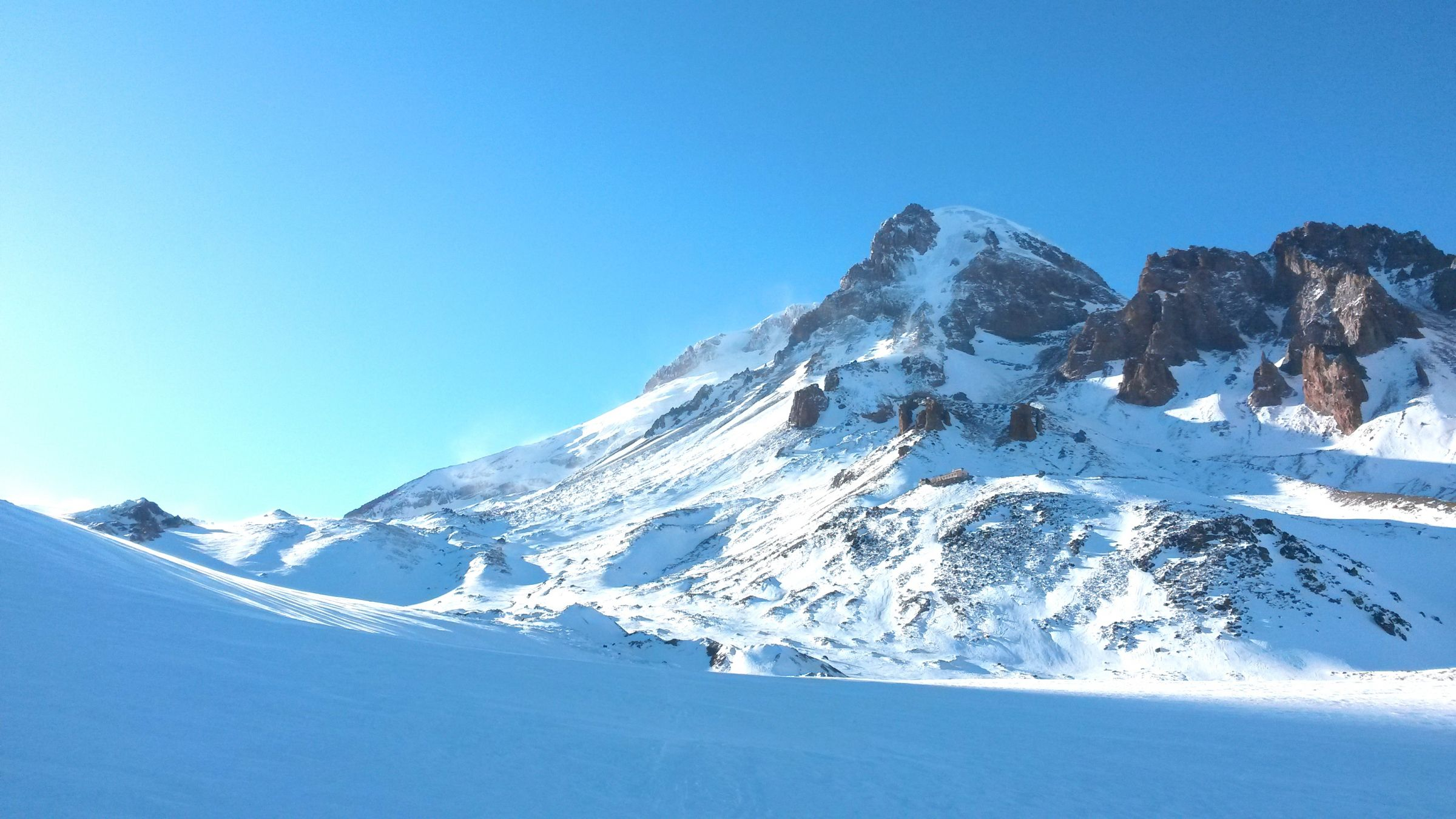 Ски-тур на Казбеке: пейзажи Казбек