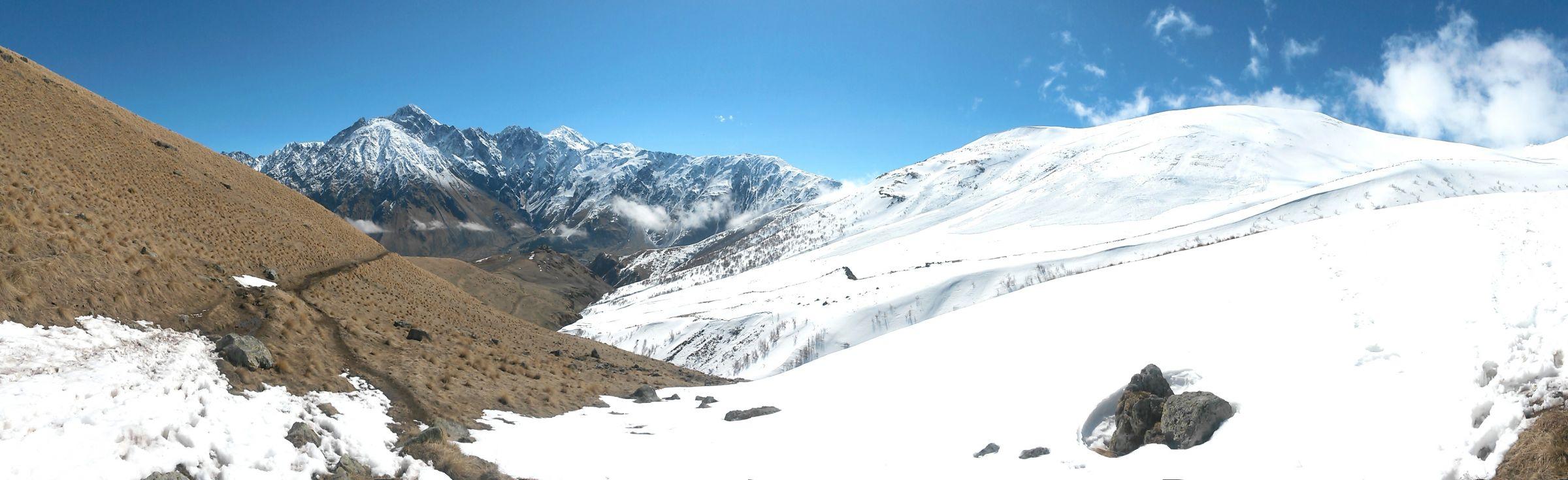 Ски-тур на Казбеке: панорама Казбека