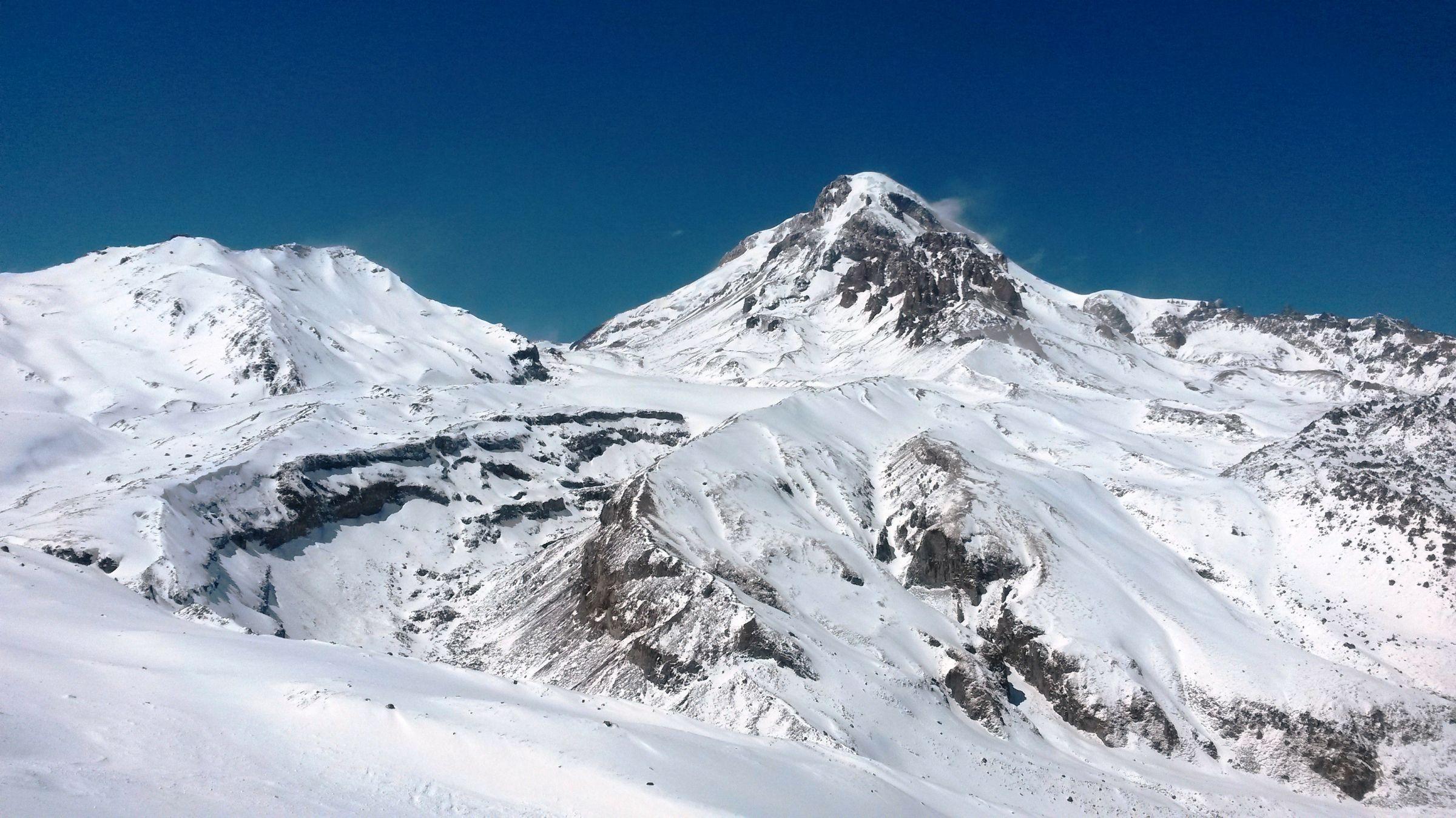 Ски-тур на Казбеке: гора