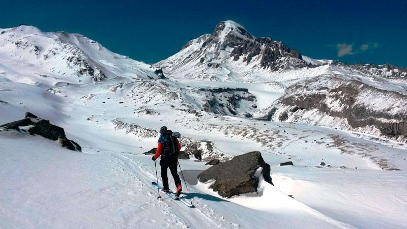 Ски-тур на Казбеке
