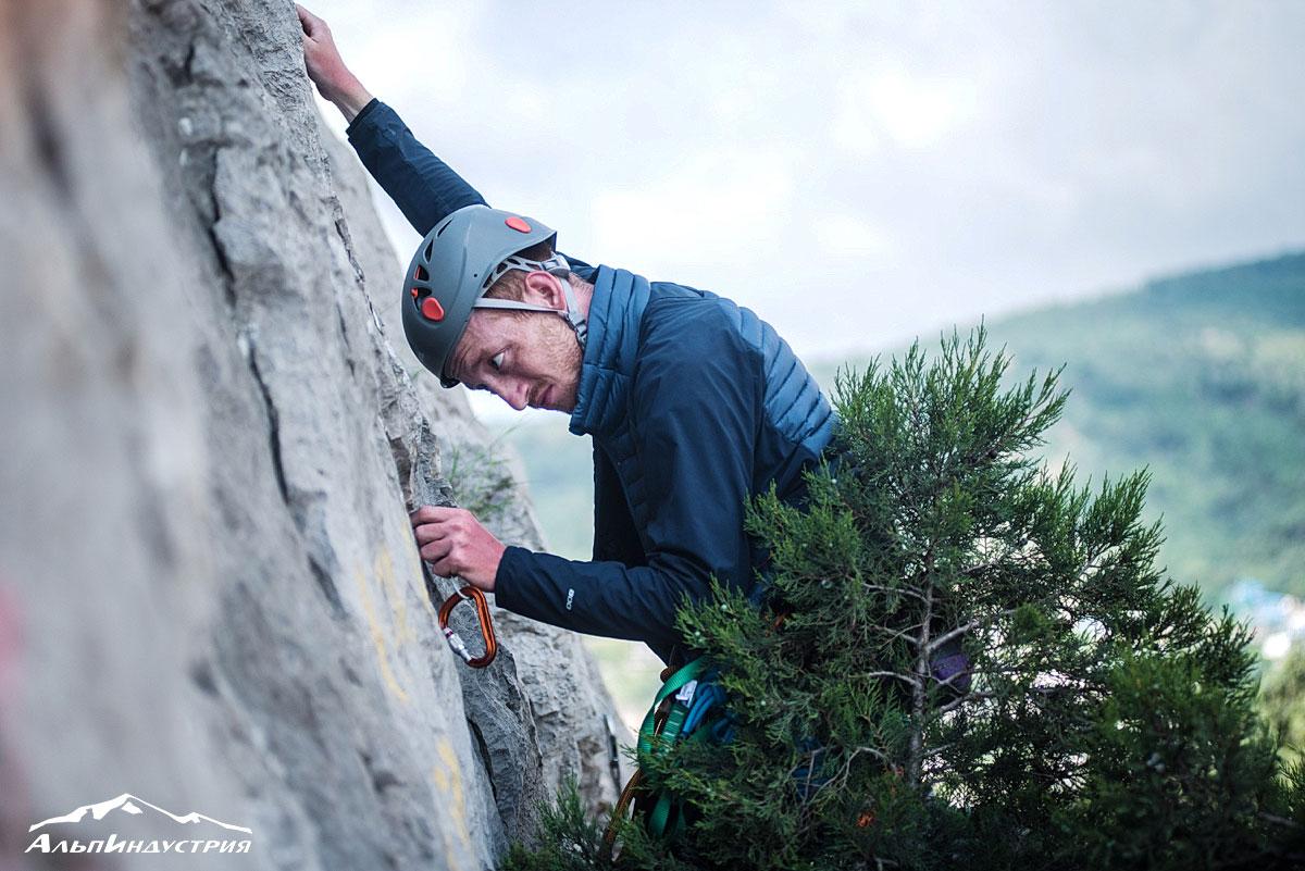 Горный клуб АльпИндустрия в Крыму: скальные занятия