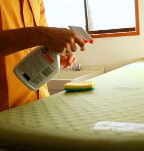 чистим коврики