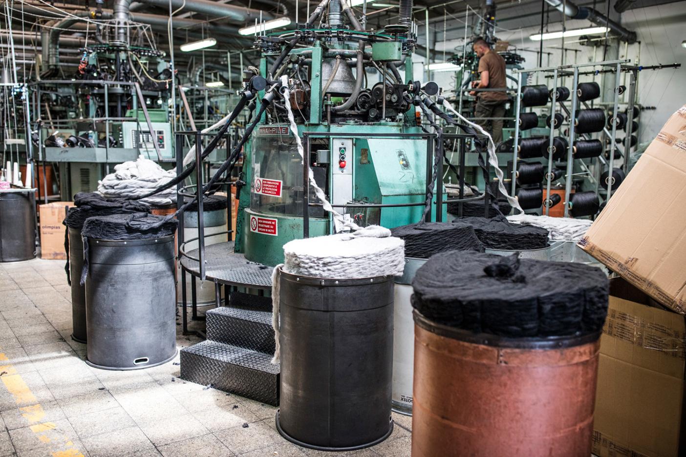 Уровень переработки всех текстильных изделий в 2015 году составил 15,3%.
