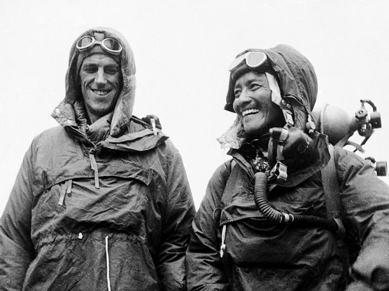 Первовосходители на Эверест (8848 м): Эдмунд Хиллари и Тенцинг Норгей