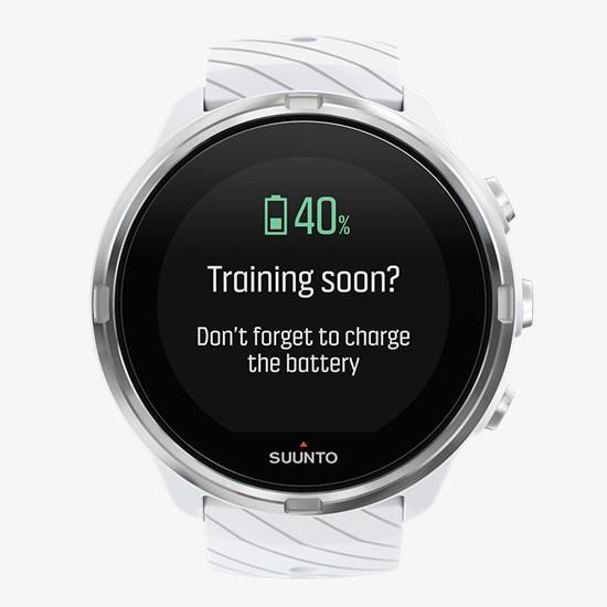 Понравилось, что часы анализируют историю твоей активности и помогают вовремя подзарядить батарею перед тренировкой, сообщая тебе об этом напоминанием.