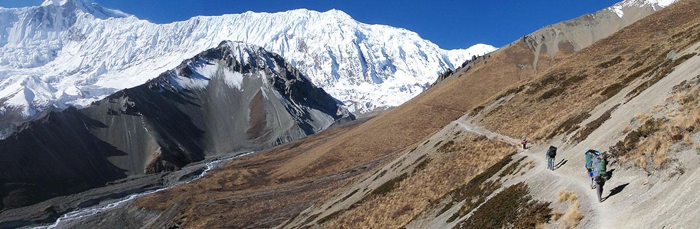 Вода на треках в Непале